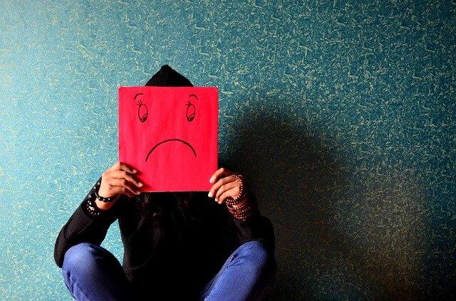 psikolojisi-bozuk-kadin-davranislari