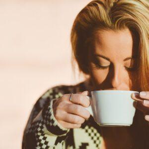 Dudak Botoksu Sonrası Kahve İçilir mi?